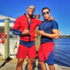 Baywatch con Dwayne Johnson e Zac Efron