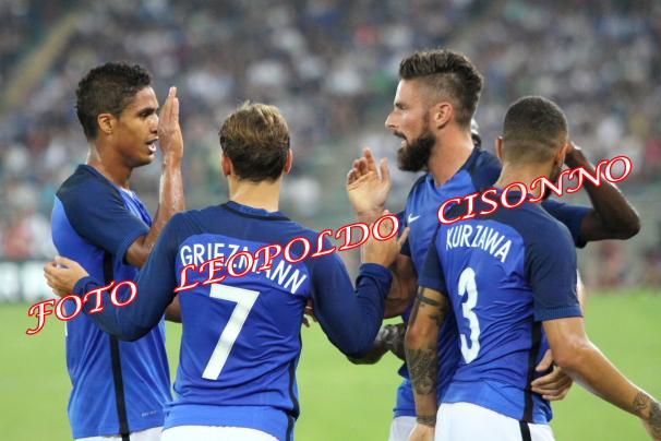 L'esultanza dei giocatori francesi alla fine della partita