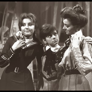 Milena Vukotic, alla destra di Giamburrasca (Rita Pavone), inerpretava la sorella