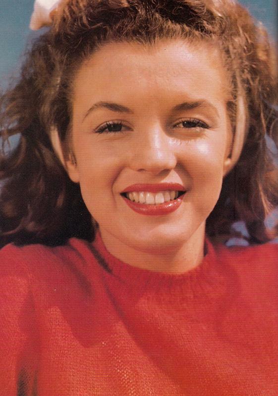 Marilyn quando aveva i capelli naturali