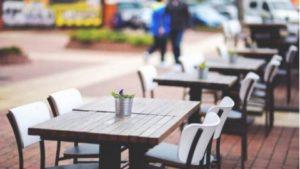 ristoranti-tavolini,suolo pubblico